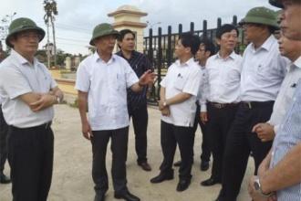 <p>Chủ tịch UBND tỉnh kiểm tra tình hình thực tế quy hoạch tại Trung tâm du lịch Phong Nha – Kẻ Bàng</p>